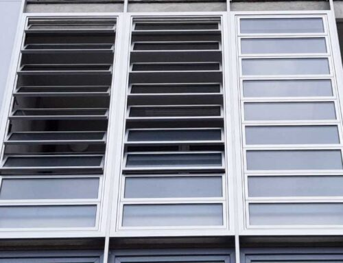 Stanovanjski blok, Topniška ulica Ljubljana – Steklene lamele / brisoleji